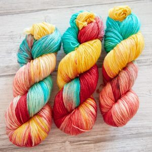 3 skeins of yarn in colorway 'Roussillon'
